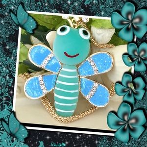 🌺😊 CUTE BUMBLEBEE PENDANT IN BLUE & GREEN 🌺😊